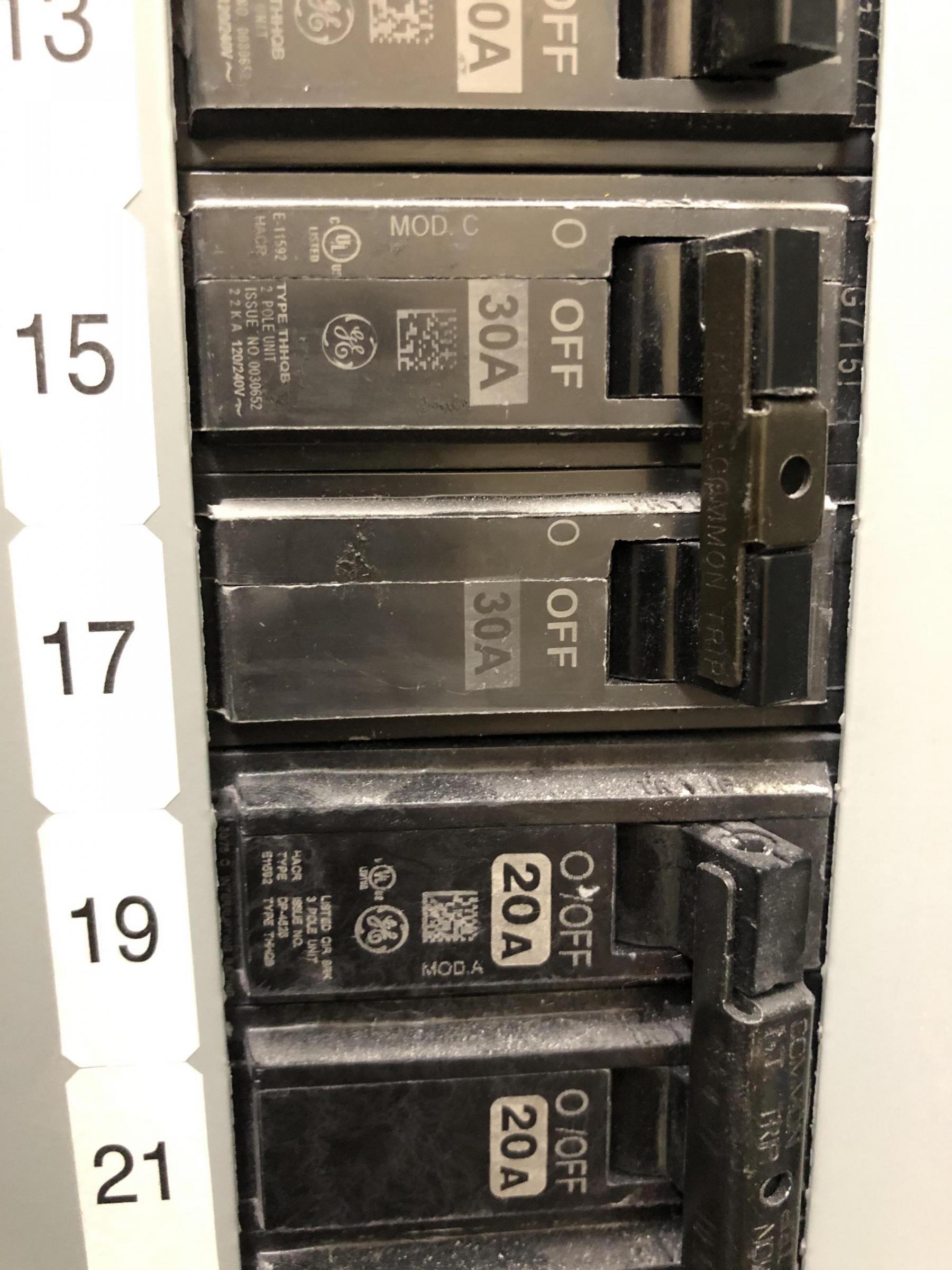 What breaker can be used to replace these?-b212c08e-b4ce-45fc-bf03-da5ae8cbf515_1571314795396.jpg