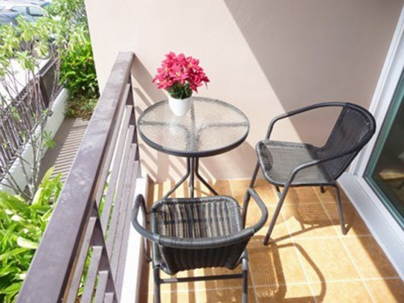 How should i best decorate this balcony?-balconey-01.jpg