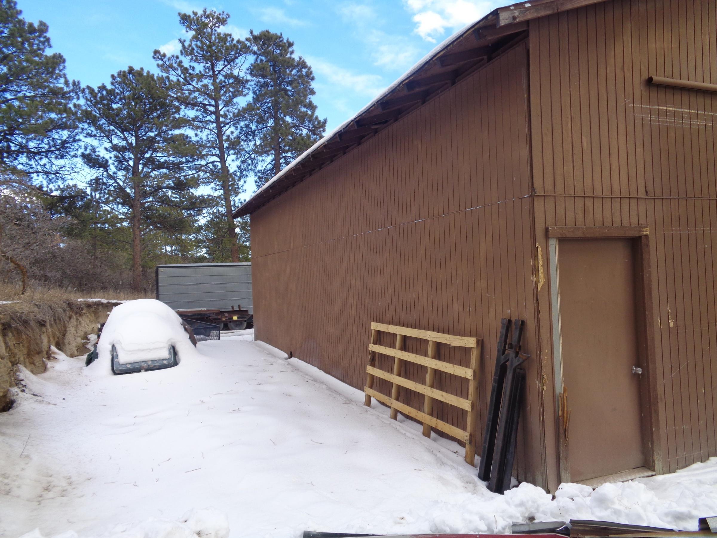 lean too-barn-009.jpg