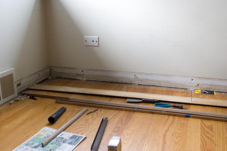 Reattaching baseboards?-baseboard.jpg
