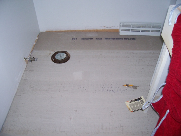 How much thinset to set durarock-bath-floor-002.jpg