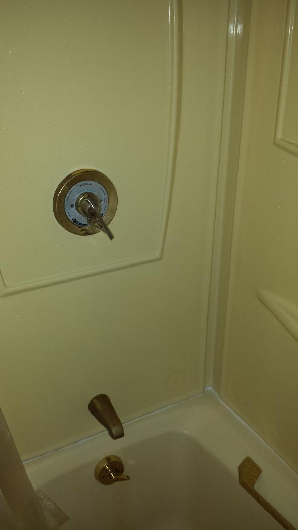 Bathroom Remodel (insulation,tile,demo)-bathold5.jpg