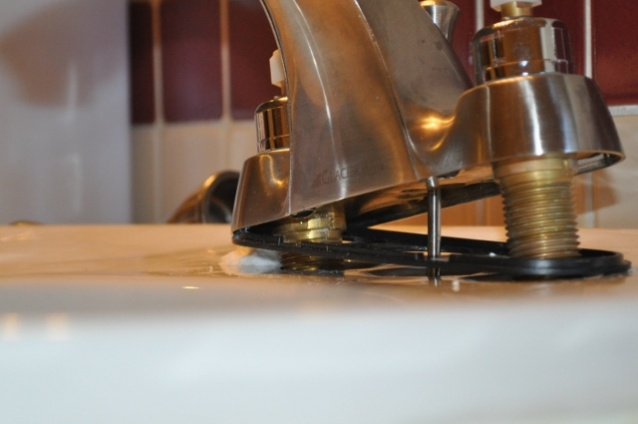 Very slow drip under counter from faucet-bathroom-faucet-drip-under-sink-013-640x425-.jpg