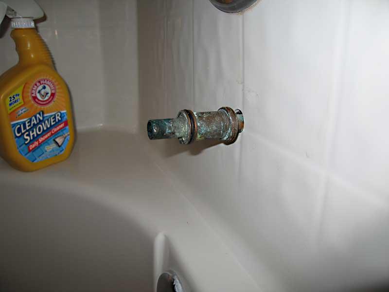Bathtub Spout Leaks Behind Spout (pics) - Plumbing - DIY Home ...