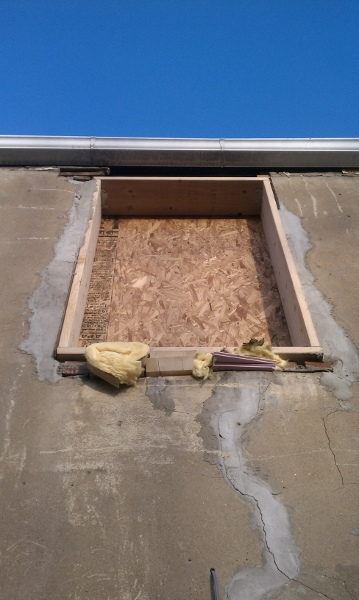 """how to close small (3"""") clearance b/ween window and roof?-bedroom_deck_opening_x.jpg"""