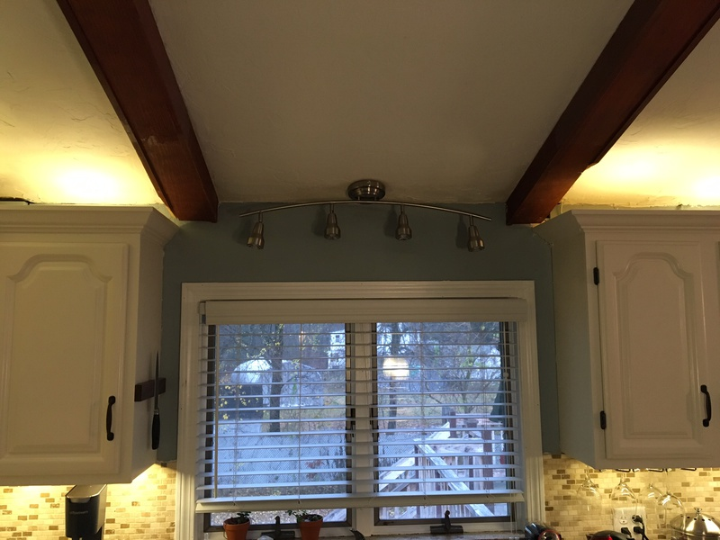 How can I patch this trim piece that was under a soffit?-bf4e1677-6bd4-4ee4-b81b-b556fff2537e.jpg