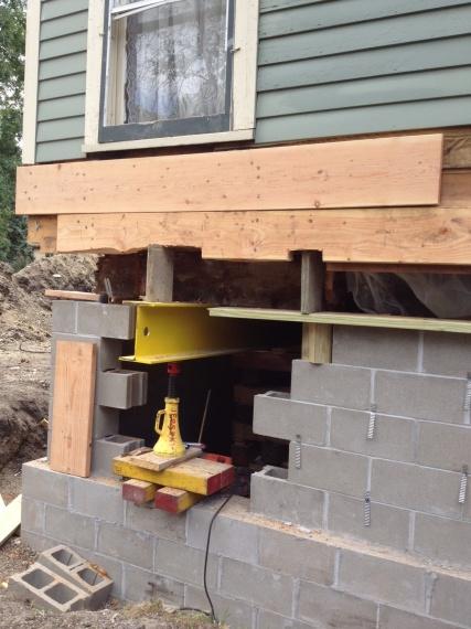 4 inch limestone veneer over block-blockfoundation.jpg