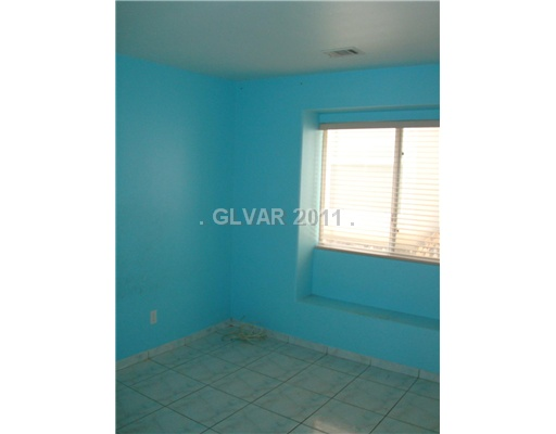 glossy textured  interior walls-blue-room.jpg