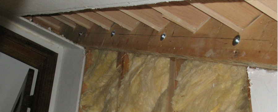 Question: 3/4 Scotia trim on stairway skirt. Glue, nail, both?-bolted-stringer.jpg