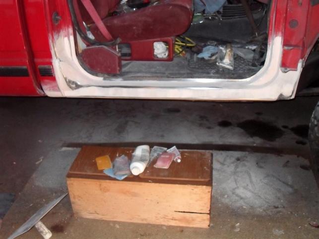 DIY rust repairs .-bondo-sand-medium-.jpg