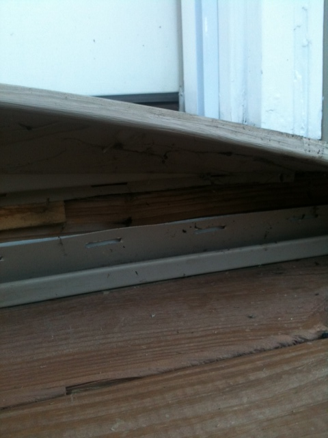Patio Door Immediate Help Needed!!!-bottomofdoor.jpg