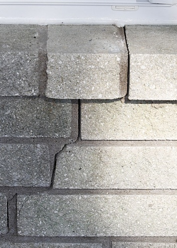 cracks in brick mortar-bricks.jpg