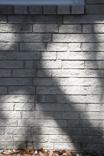 cracks in brick mortar-bricks2.jpg