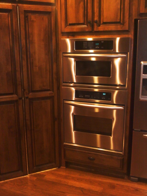 Pantry door problem.-cabinet.jpg