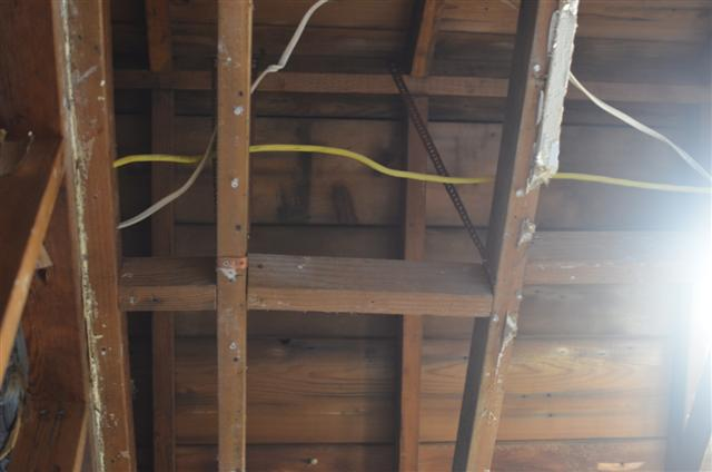 My breezeway and garage have 2x4 rafters :(-cake-002-small-.jpg