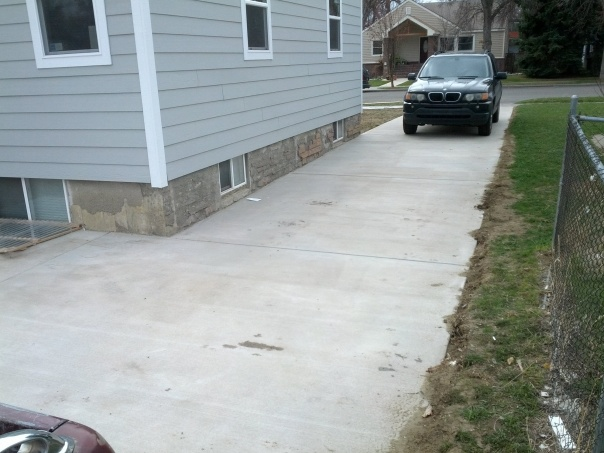 Help with driveway fence-camerazoom-20130413114522624.jpg