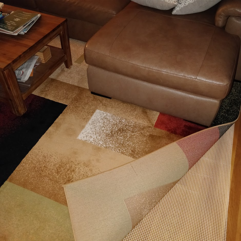 Is It Okay To Put Area Rug On Basement Vinyl Flooring