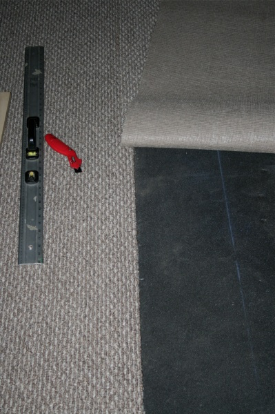 Carpet on stair treads only???-carpet-overlap.jpg
