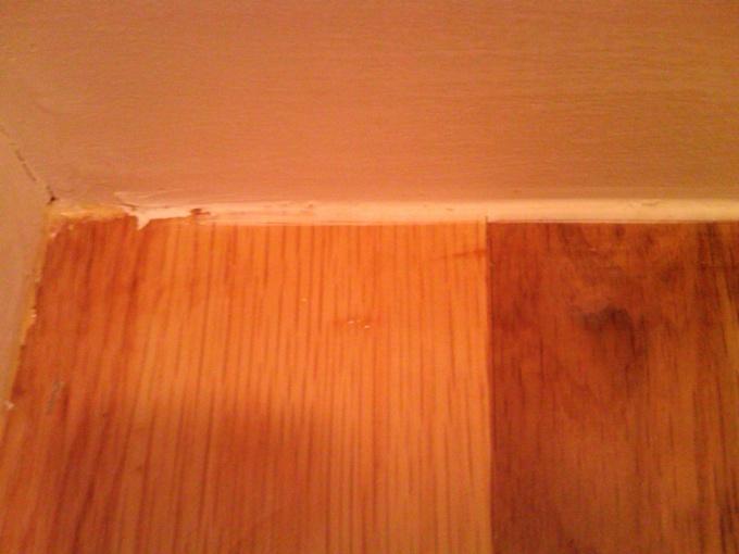 Bad Caulk Line On Floor Diy Home, Laminate Flooring Caulk