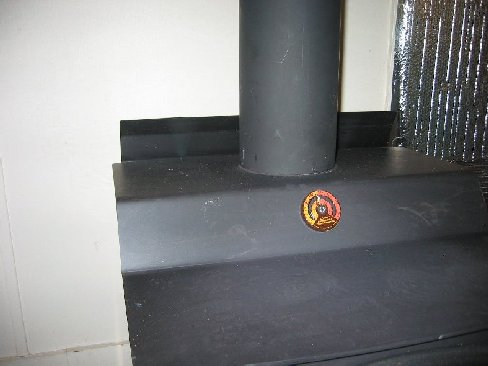 Wood-burning stove...connecting stovepipe to ceiling support box-chimney-013-shrunk.jpg