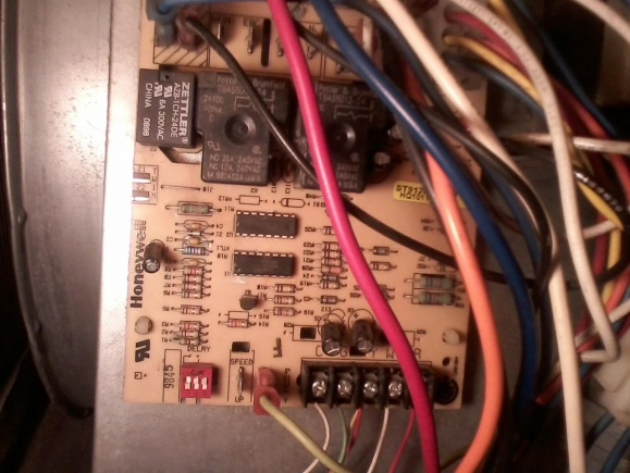 Can't locate fuse on heat pump circuit board-ciircuit-board.jpg