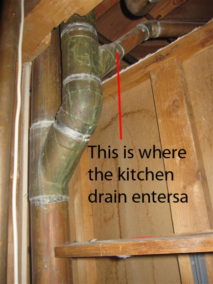 simple question regarding kitchen sink drain-close-up-where-enters.jpg