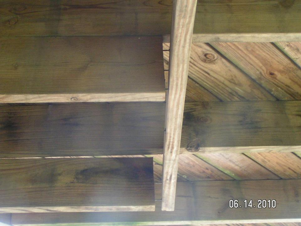 Deck - Header Joist Repair w/ pics-closeupsized.jpg