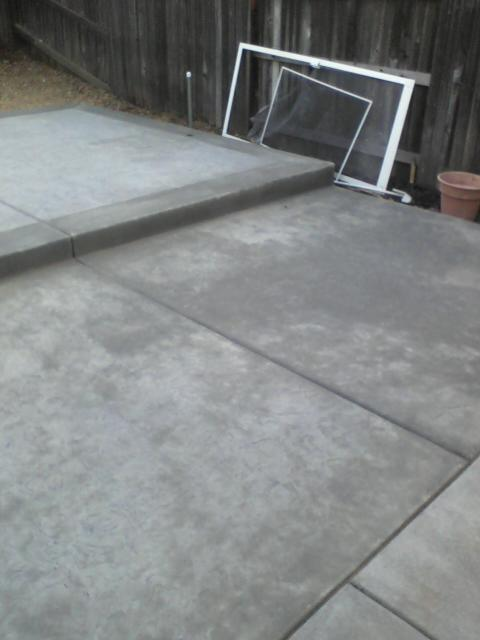 pics of new concrete with lines from garbage can-concrete1.jpg