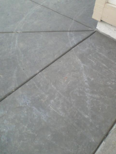 pics of new concrete with lines from garbage can-concrete2.jpg