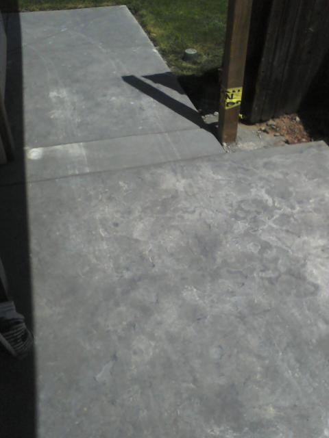 pics of new concrete with lines from garbage can-concrete52.jpg