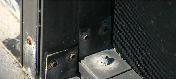 What's the best system to anchor a screen enclosure?-corroded-screws.jpg