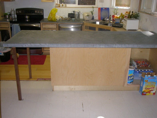 knee-friendly brackets for overhanging countertop-counter2.jpg