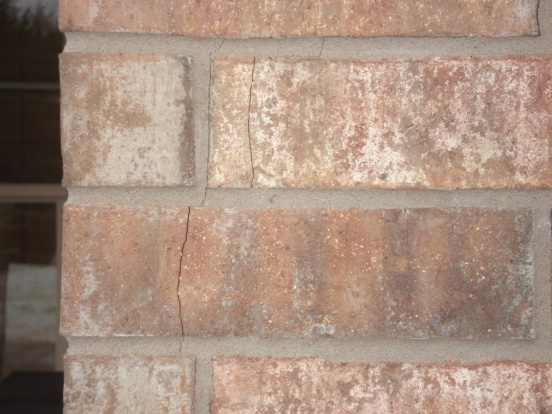 Potential foundation issues-crack-picture-2.jpg