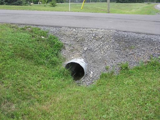 Driveway stone falling into ditch over culvert-culvert-001.jpg