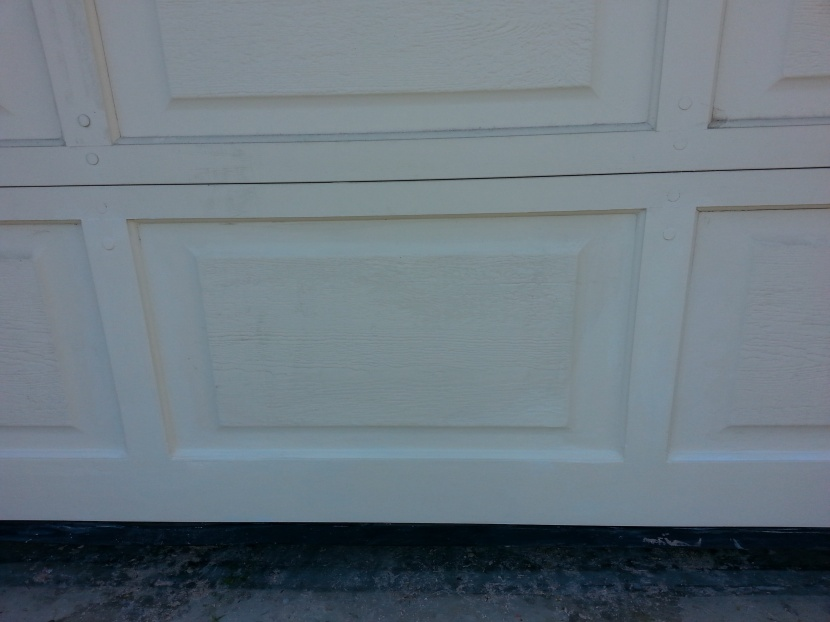 Repairing Wooden Garage Door-day-pic-001.jpg