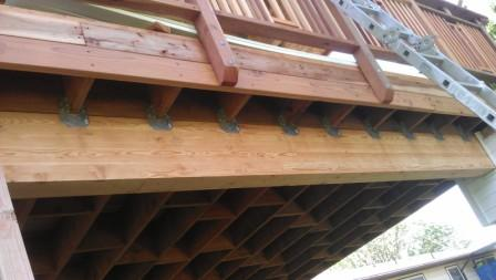 22x14 DECK W/ROOF SLIGHT SWAY NEED HELP FROM EXPERTS-deck-showing-2x12-brackets-glulam-deck-railing-attachments-resized.jpg