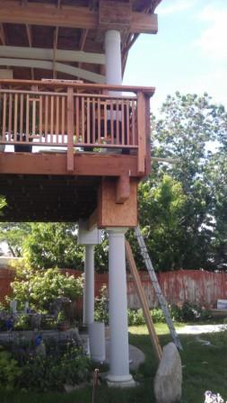 22x14 DECK W/ROOF SLIGHT SWAY NEED HELP FROM EXPERTS-deck-pillars-railing-resized.jpg