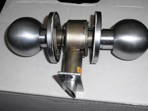 Remove Door Knob No Screws Visible General Diy