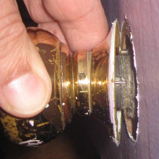 Remove An Old Door Knob With No Screws Door Knob