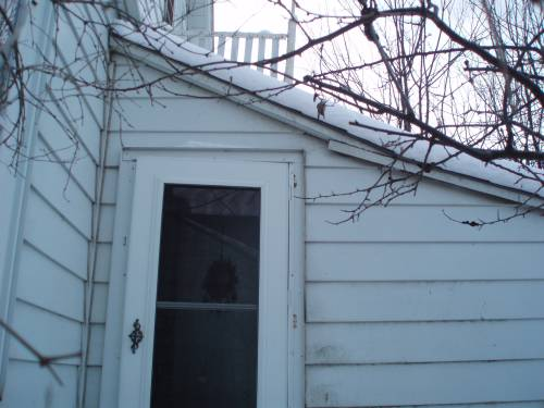 Larson Storm Door Won't Close-door1.jpg