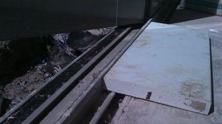 Wood Floor Spacing Dilema-doorthreshold.jpg