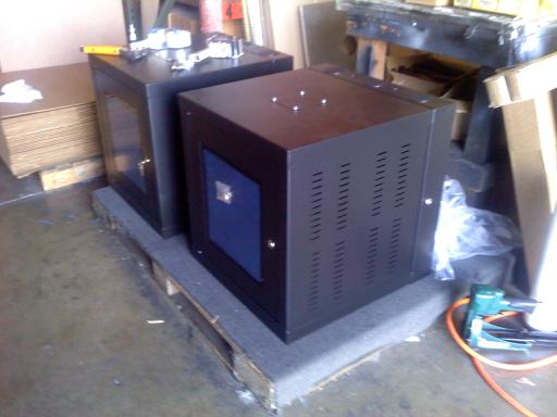 Wall Mount Server Cabinet. How much power?-downsized_0710091424b.jpg