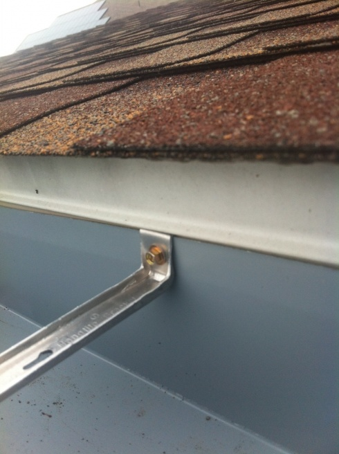 Water Leaking From Behind Gutter Roofing Siding Diy