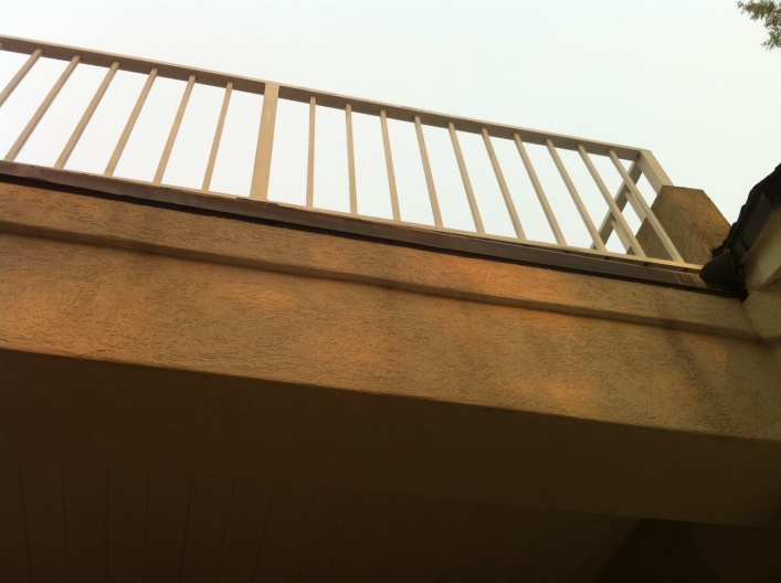 **PICS *** How should I fix this balcony drip rail?-driprail4.jpg
