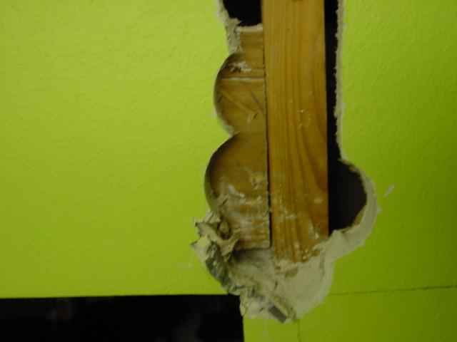 framing, expanding wall opening wall - load bearing?-dsc00003.jpg
