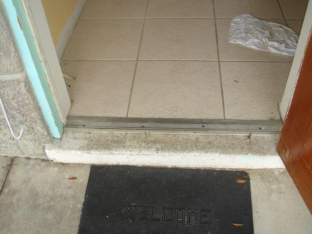 Boring a metal door?-dsc00059-640x480-.jpg