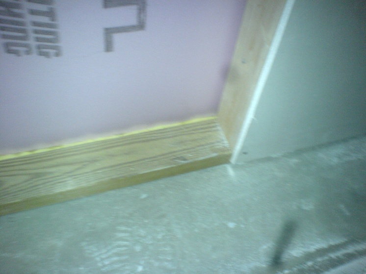 How to fill this drywall gap?-dsc00189.jpg