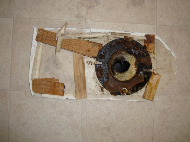 Toilet issue:  Shims, wax, general disarray.-dsc00527.jpg