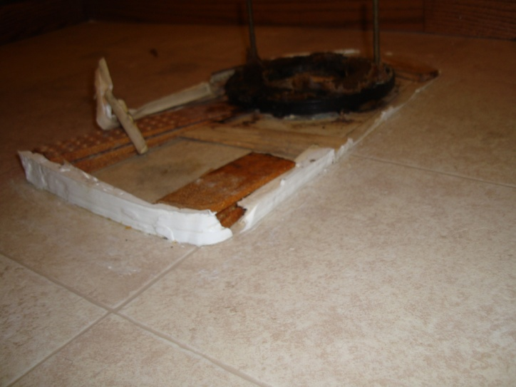 Toilet issue:  Shims, wax, general disarray.-dsc00528.jpg