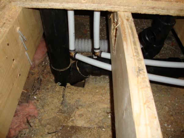 Toilet vent and bath tub drain, Help-dsc00844.jpg